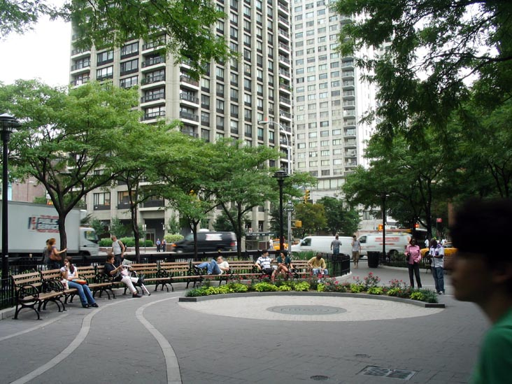 Tramway Plaza, 59th Street and Second Avenue, Upper East Side, Manhattan