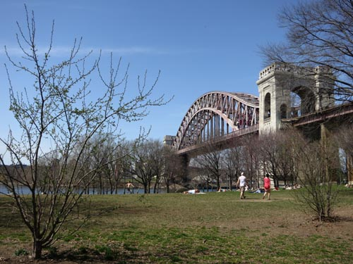 Astoria Park, Astoria, Queens, April 9, 2013, 2:11 p.m.
