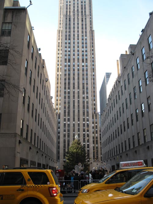 Rockefeller Center, Midtown Manhattan, December 3, 2011, 2:03 p.m.