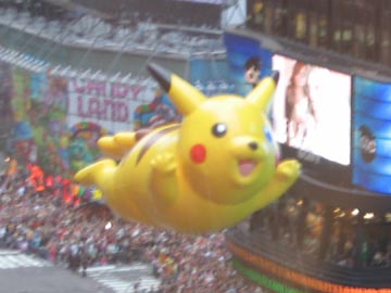 2004 Macy's Thanksgiving Day Parade from the Tenth Floor of Five Times Square
